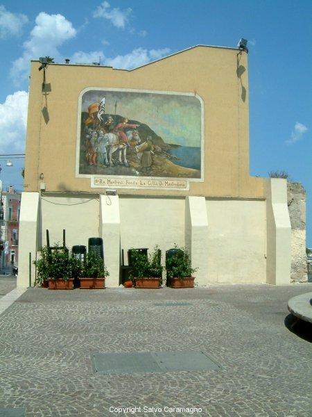 Manfredonia (FG)-Manfredi fonda Manfredonia